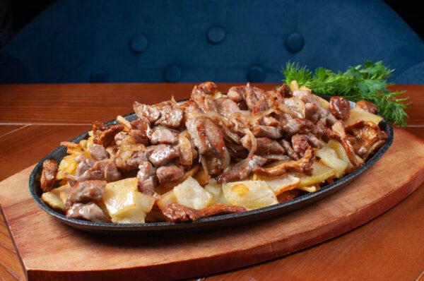 Сковорода по-домашньому (телятина або свинина)