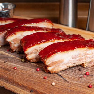 Свині реберця запечені в медовому соусі BBQ