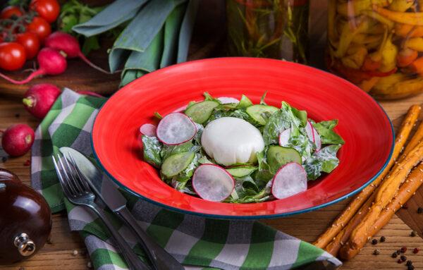 Верде з овочами та яйцем пашот
