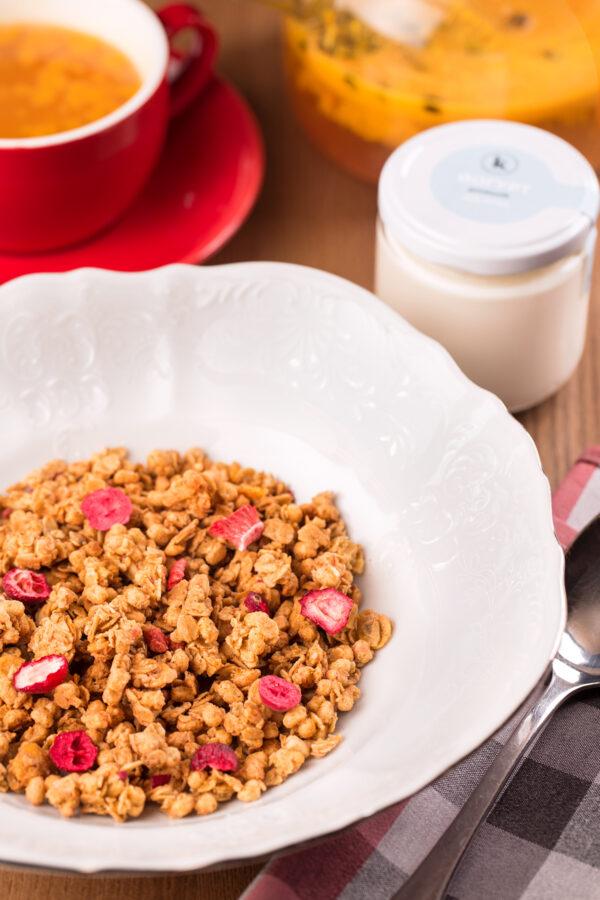 Гранола з йогуртом від Куха