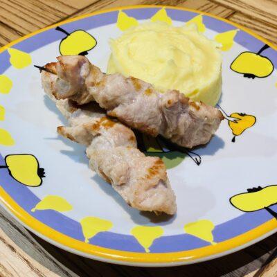 Шашлик з індички з картопляним пюре
